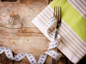 Диетолог Макуха предостерегла граждан в России от популярного способа похудеть к лету