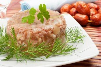 Вкусный холодец на Пасху 2021: простой рецепт приготовления прозрачного и ароматного блюда