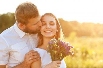 «Влюбленный» май: У пятерых знаков зодиака «снесет крышу» от бурных отношений в мае