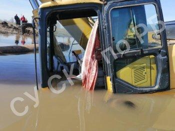 В Уфимском районе Башкирии двое рабочих погибли, утонув в карьере на экскаваторе