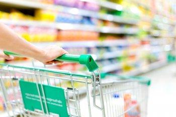 Рост цен на главные продукты в России обогнал официальную инфляцию почти в 3 раза