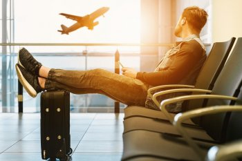 Роскачество предупредило граждан в России о мошенничестве с авиабилетами и соцвыплатами