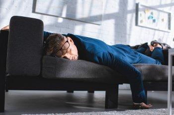 Нарколог Минздрава рассказал гражданам в РФ о влиянии алкоголя на организм переболевших COVID-19