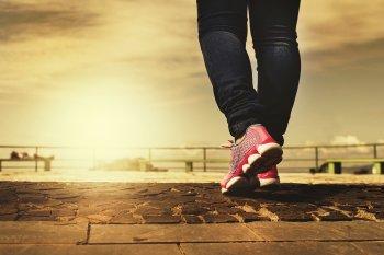 Установлена дневная норма шагов, которая может продлить жизнь человеку