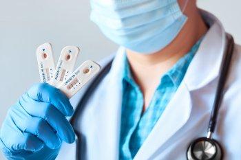 Причину положительного теста на Covid-19 после выздоровления установили американские ученые