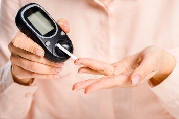 Изменение запаха мочи у человека названо признаком сахарного диабета второго типа