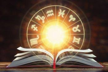 Гороскоп на17мая длякаждого знака зодиака: Тельцы - улучшайте карму, Козероги - настройтесь на победу!