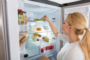 Жителям в России перечислены не предназначенные для хранения в холодильнике продукты