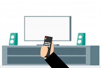 Граждан в России предупредили о слежке через современные телевизоры Smart TV