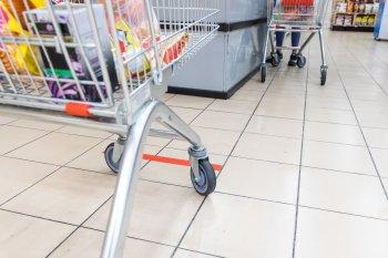 Жителей в России предупредили о распространенных схемах обмана на кассе супермаркета