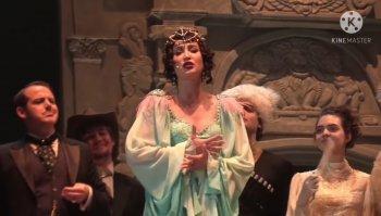 На сцене МХАТа состоялся дебют спектакля с участием певицы Ольги Бузовой