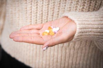 Российские ученые рассказали об опасности витамина B12