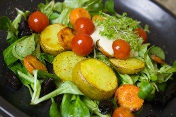 Помидор оказался непригодным продуктом для употребления с жареным картофелем
