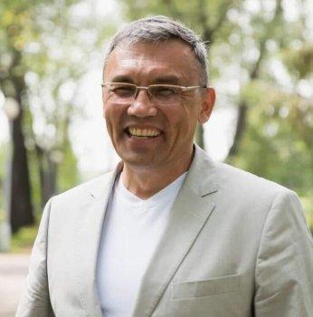 Юлай Ильясов намерен переизбраться на новый срок главой Куюргазинского района Башкирии