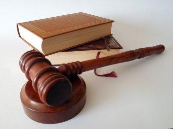 50-летнего бывшего полицейского из Уфы осудили за превышение полномочий