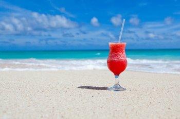 Составлен список открытых в июне для российских туристов зарубежных пляжных стран