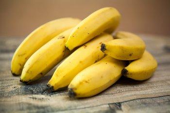 Врач Исанбаев перечислил гражданам в РФ продукты, которые нельзя сочетать с бананами