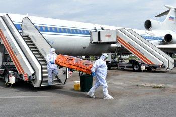 «Больных коронавирусом» встречали в аэропорту Уфы