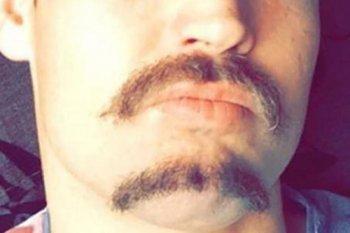 Двойные усы стали трендом 2021 года у мужчин