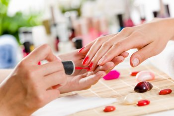 Маникюр 2021: Модный, минималистичный и элегантный дизайн ногтей на летний сезон