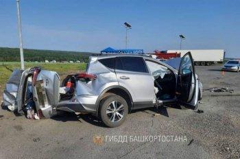 Ребенок и взрослый погибли в ДТП с грузовиком в Стерлитамакском районе Башкирии