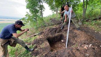 На шихане Торатау идут археологические исследования перед строительством экотропы