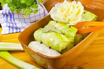 Вкусные голубцы из молодой капусты: простой рецепт сочного и сытного блюда