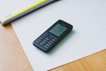 В России резко вырос спрос на кнопочные мобильные телефоны