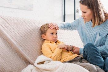 Граждан в России предупредили об опасных последствиях коронавируса SARS-CoV-2 для детей