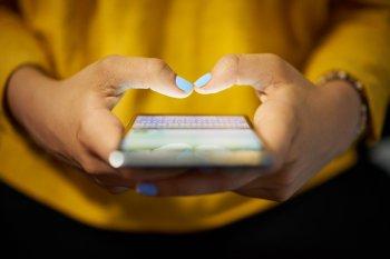 Эксперт рассказал гражданам в России, почему следует отключать интернет на смартфоне