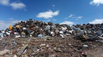 В поселке Новые Черкассы в Уфимском районе вновь загорелся мусорный полигон