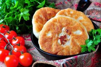 Пышные, сочные и вкусные беляши: как приготовить вкусное блюдо на сковороде или в духовке