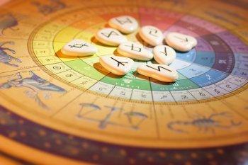 Всё как завертится! Павел Глоба назвал пять знаков зодиака, жизнь которых круто изменится в августе 2021