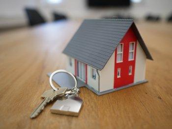 РБК: Сбербанк планирует выдавать в России ипотеку с 18 лет