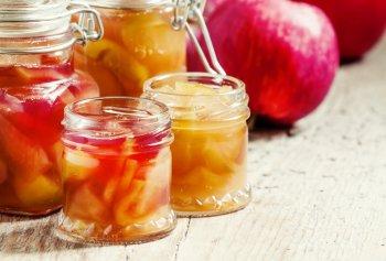 Хитрость, которая позволит сварить вкусное яблочное варенье за 15 минут