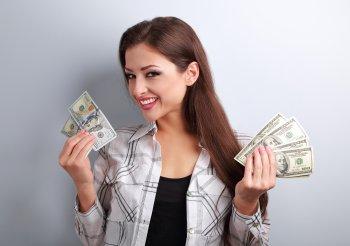 ТОП-4 меркантильных женщин по знаку зодиака, способных променять любовь на деньги