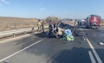 Четыре человека сгорели заживо после ДТП с участием маршрутки в Башкирии