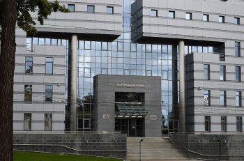Российские власти собираются передать пенсионному фонду назначение 17 мер соцподдержки